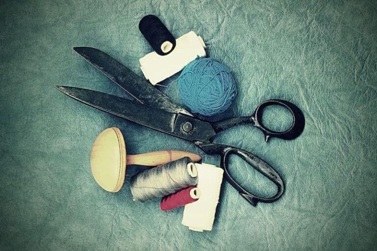 scissors-1008908_1920 copy